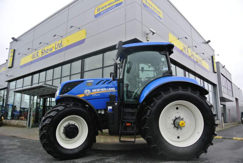 new-holland-t7-270-50kph-autocommand-884hrs